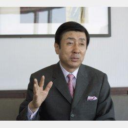 手嶋龍一氏は「キャロットクラブ」の代表も務める