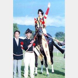 ファビラスラフインは松永騎手が乗って優勝