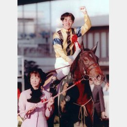 ダンスインザダークは菊花賞を勝って種牝馬に